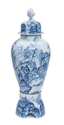 Très grand vase balustre Arita (jinkōtsubo) bleu et blanc (somezuke) sur un sup