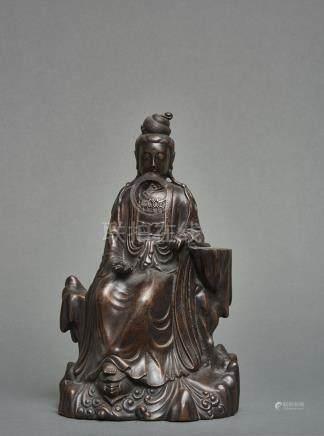 Sculpture Chinoise en bronze à patine foncée, à incrustations d'argent représen