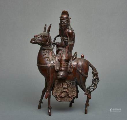 Encensoir en bronze (kōro) en forme d'un érudit chinois à cheval et tenant un r