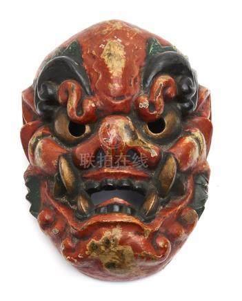 Très grand masque de temple (gyōdōmen) représentant le visage rouge d'un démon