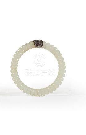 CHINE - Début du XXe siècle Bracelet en jade blanc torsadé u