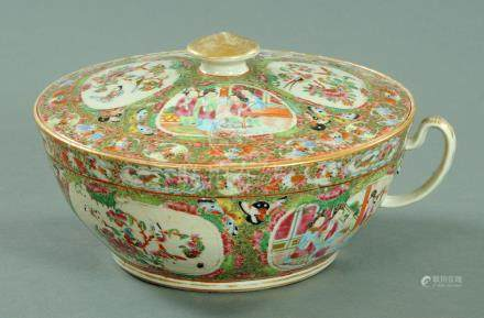 A large Canton enamel chamber pot and cover, second half of 19th century,