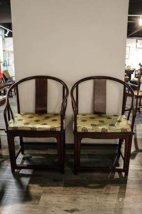 PAIR OF HUALI HORSHOE BACK CHAIRS, LATE QING DYNASTY