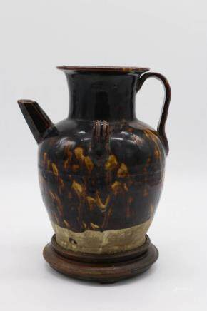 BROWN GLAZE DOUBLE EARS EWER
