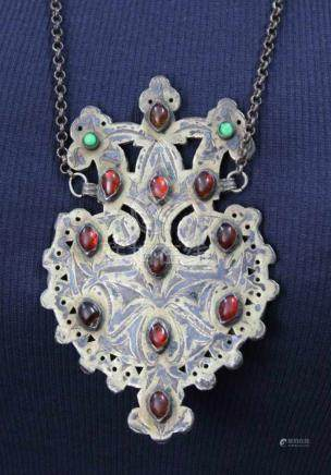 Medaillon. Zentralasien. Antik. Im Byzantinischen / Orthodoxen - Stil.11,7 cm x 7,5 cm. Silber mit