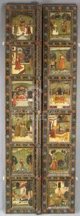 Klappladen. Indien um 1900. Wohl für einen Spiegel.128 cm x 43 cm. Holz. Bemalt.Folding Shutters.