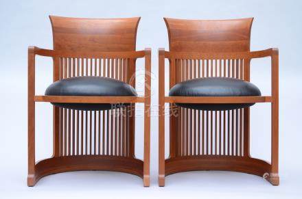 Frank Lloyd Wright/Cassina: pair of chairs 'Barrel'