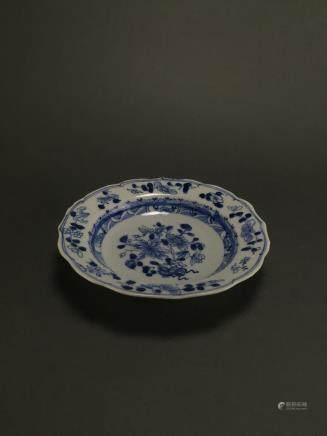 Kangxi: Blue and White Flower Scroll Dish