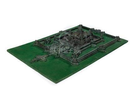 Maquette du temple d'Angkor Vat Vers 1900 Bronze, bois, feutrineDim. : 44 x 67