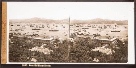 Deux vues stéréoscopiques sur verre Chine, vers 1880 Port de Hongkong, Pagode à