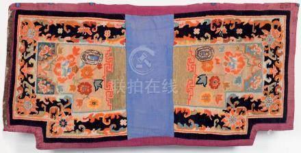 Un ancien tapis de selle Tibétain (deux éléments), A complete 19th century Tibe