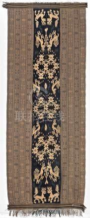 Un tissage Sumba Ikat (Hinggi), An antique Sumba ikat.IndonésieTissage Ikaté e
