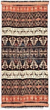 Un tissage Sumba Ikat (Hinggi), An antique Sumba ikatIndonesieLes textiles et l