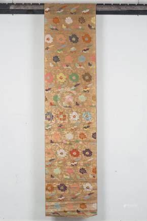 Un lai (lè) de plus de 5 mètres de tissage de soie en technique mixte, probable