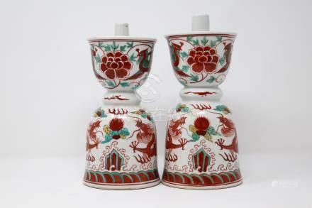A pair of porcelain famille rose oil lamp.           粉彩油灯 ( 1 对 )