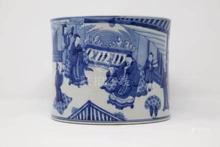 A blue and white porcelain brush pot                 青花人物笔筒. 清代 康熙 款