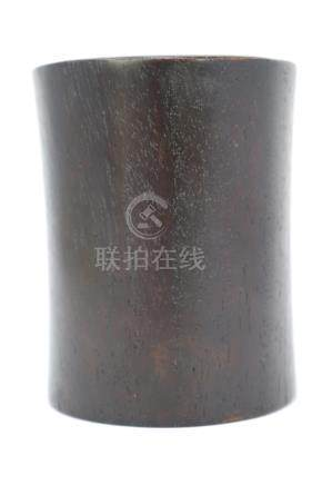 A hardwood brush pot. 木笔筒