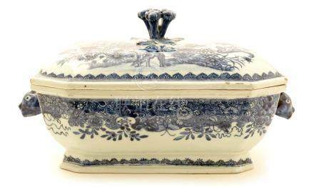 A Chinese Export tureen and cover.