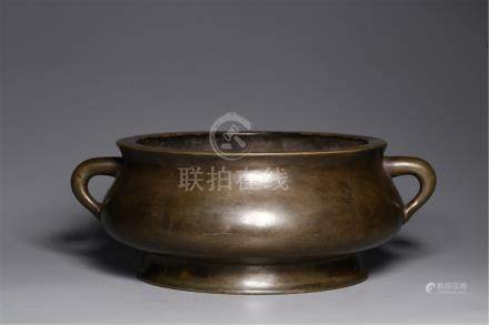 CHINESE BRONZE TRIPLE FEET ROUND CENSER