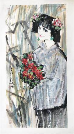 CHINESE SCROLL PAINTING OF BEAUTY WITH FLOWER