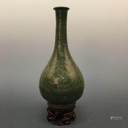 Chinese Yaozhou Ware Porcelain Yuhuchun Vase