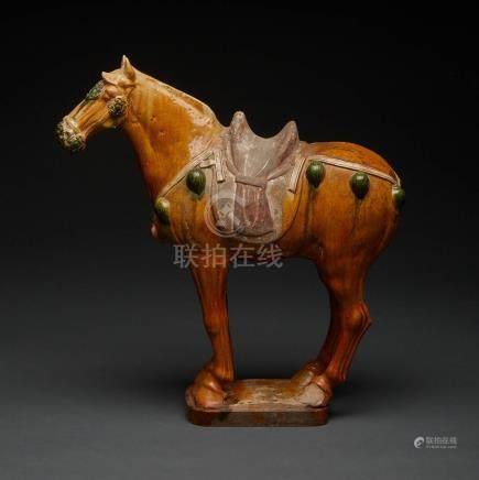 唐 三彩陶馬 A Large Sancai-Glazed Pottery Figure of a Horse, Tang Dynasty