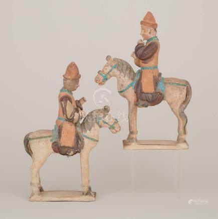 明 彩繪陶騎馬俑一對 A Pair of Painted Pottery Horse Riders, Ming Dynasty