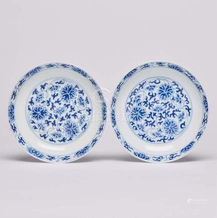 清同治 青花纏枝蓮紋盤一對 「大清同治年制」六字雙行楷書款 A Pair of Blue and White 'Lotus' Dishes, Tongzhi Mark and Period (1862-1874)
