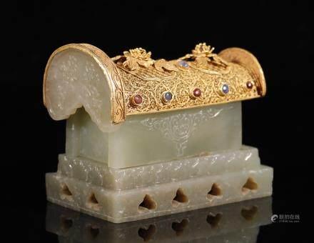 辽代  纯金掐丝嵌宝石包和田玉棺