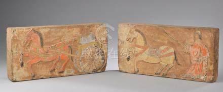 CHINE - Style Han.Deux briques en terre cuite à traces de polychromie, personna