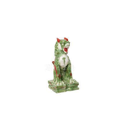 León Foo. Escultura china en terracota esmaltada y vidriada, primera mitad del s.XX. 58 x 27,5 x