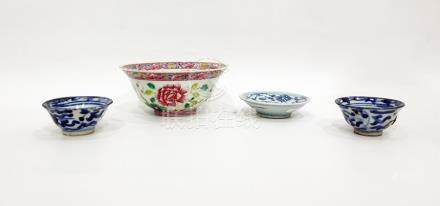 Two early Chinese blue and white porcelain miniature tea bowls, 7cm dia., a Famille rose bowl and