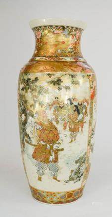 A large Japanese Satsuma vase, depicting two scenes of Samurai warriors, 60cm high.