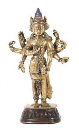 Avalokiteshvara AmoghapashaTibet/Nepal, wohl spätes 19. Jh., Bronze/feuervergoldet, vollplastische