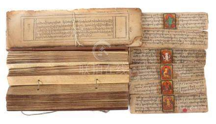Sutrenschrift-Blätter und -Buchwohl Tibet, 19./20. Jh., Papier, wenige mit polychromer