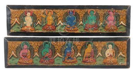 2 BuchdeckelTibet/Nepal, 19./20. Jh., Holz, je mit polychromer Darstellung von 5 Buddhas, je