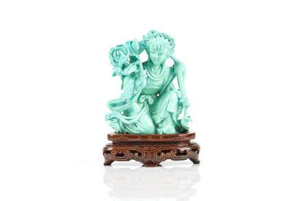 CHINESE TURQUOISE CARVED LADY FIGURE ON STAND