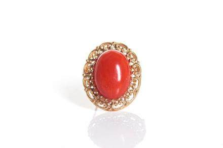 CORAL & GOLD BROOCH