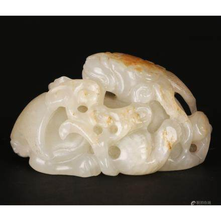 CHINESE CELADON JADE CARVED TOAD AND RUYI