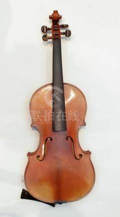 VIOLON, 3/4  avec étiquette copie de Stradivarius   33 cm  long totale : 55 cm