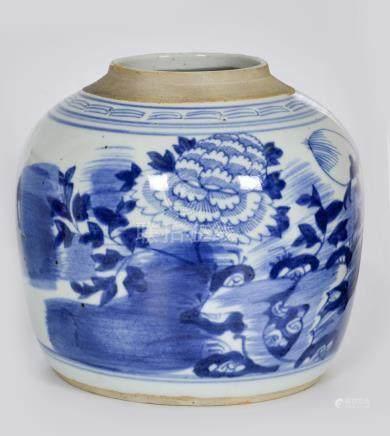 清 青花花卉纹罐