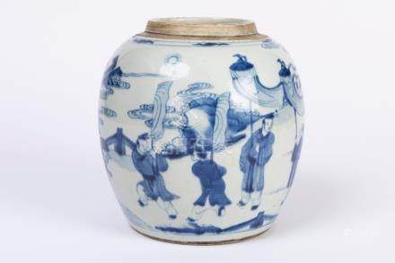 CHINE. POT à gingembre en porcelaine à décor bleu blanc de scènes animées. Epoq