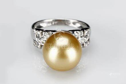 AN AUSTRALIAN SOUTH SEA GOLDEN PEARL DIAMOND RING