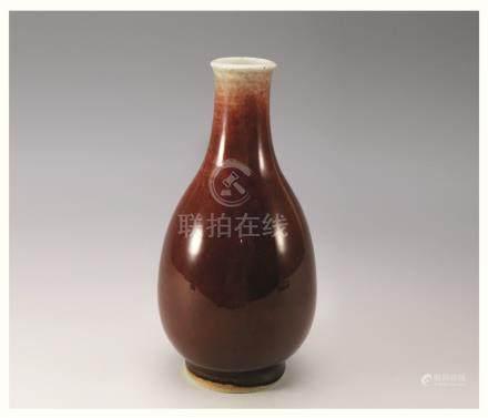 清红釉胆瓶