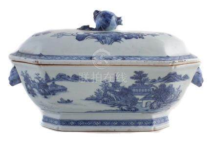 Chinese export porcelain lidded tureen and cover