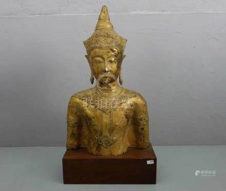BUDDHA - SKULPTUR, Thailand, um 1850, Bronzeguß, mit originaler Vergoldung. Büste montiert auf