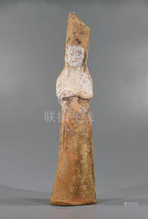CHINESE TANG DYNASTY ATTENDANT FIGURINE