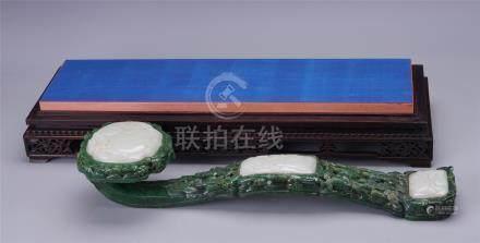 CHINESE WHITE JADE PLAQUE SPINACH JADE RUYI SCEPTER