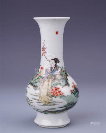 CHINESE PORCELAIN WUCAI BEAUTY VASE