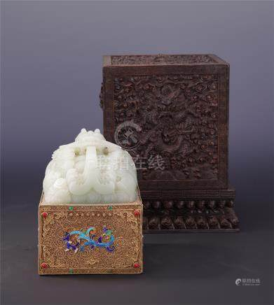CHINESE WHITE JADE DRAGON SEAL GILT SILVER ENAMEL DECOR IN ROSEWOOD CASE